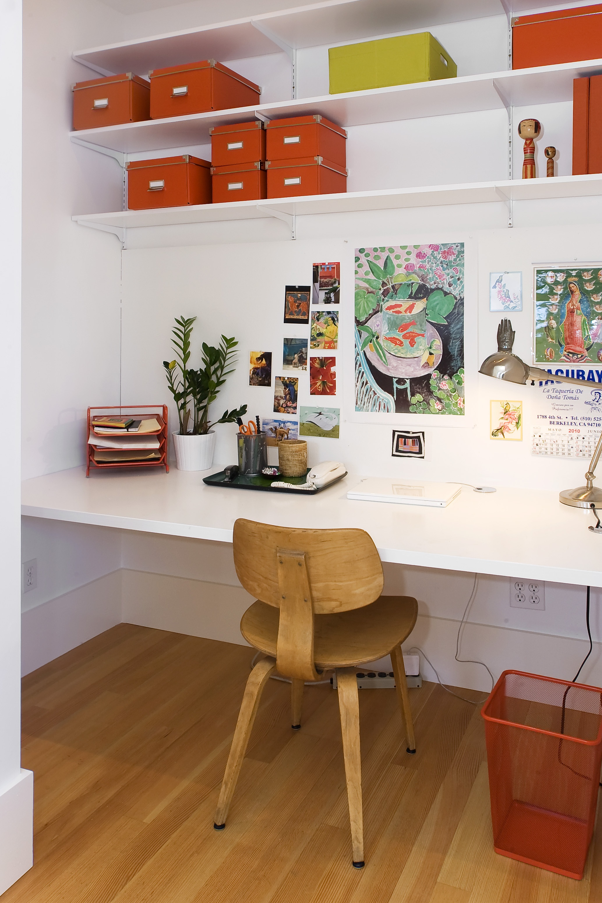 Tropical Modern Bungalow office space